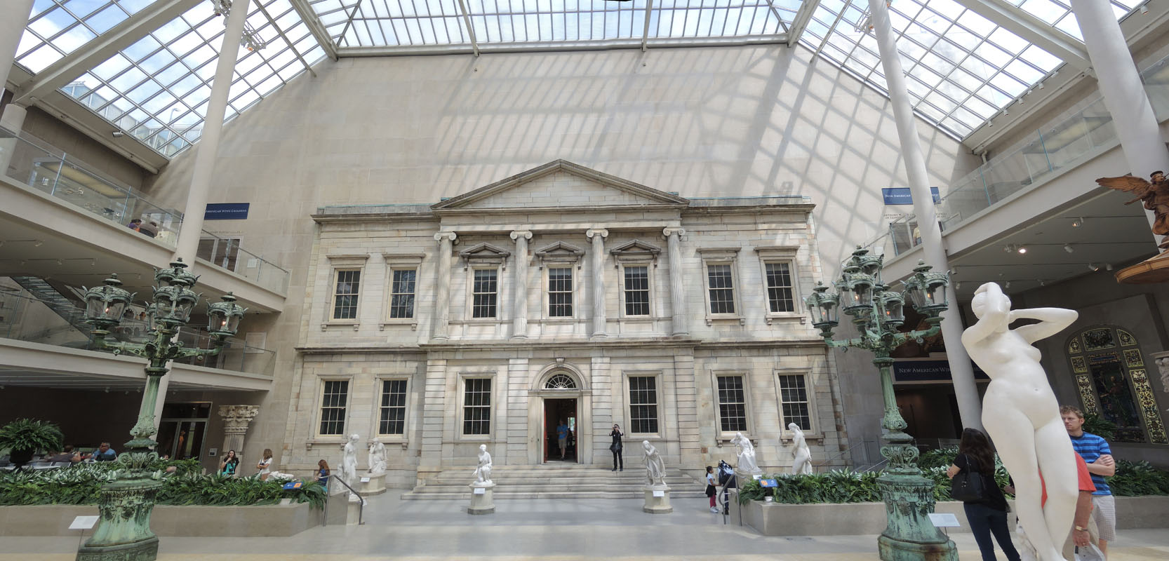 essay about metropolitan museum of art location